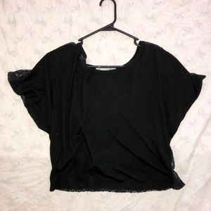 Crop style top